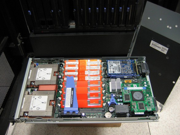 Server with two dual-core chips