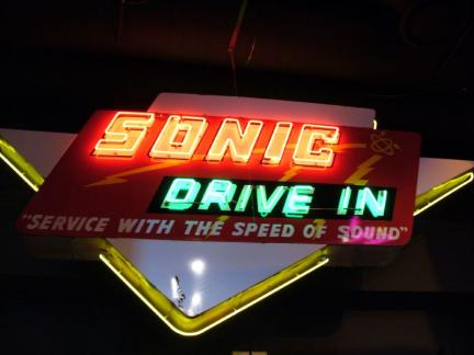 But one fast food restaurant chain has done that for a long long time. It is nothing but the Sonic Drive-in stores. It is one of the biggest national fast food chains in the US. Sonic Drive-in store has more than 3, restaurant chains in the USA alone. Such is the popularity that it has among the people.
